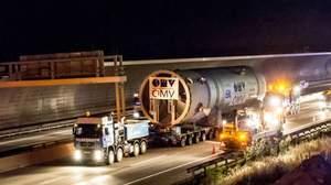 New HDS3 reactor transport to OMV Refinery at Schwechat / Austria, Turnaround 2016, TAR 2016, OMV